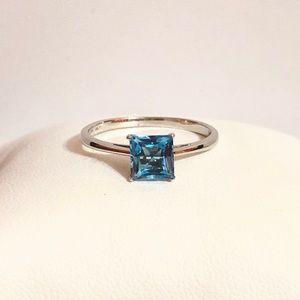 Jewelry - NWOT 10k WG 1.26ctw Princess Cut Blue Topaz Ring